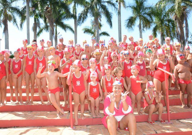 Festival de Natação do União conta com grande participação de alunos e presença de público