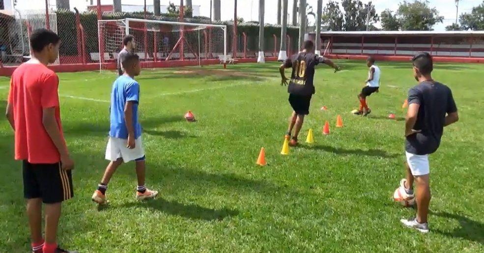Escolinha de Futebol do União moderniza método de treinamento e terá mais competições